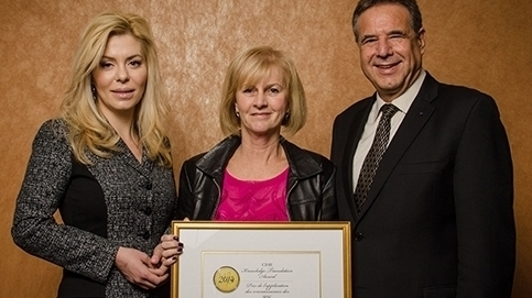 From left to right: MP Eve Adams, Dr. Bonnie Stevens and Dr. Alain Beaudet, CIHR President